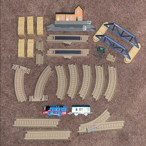 Thomas 23 pc trackmaster track & train & access